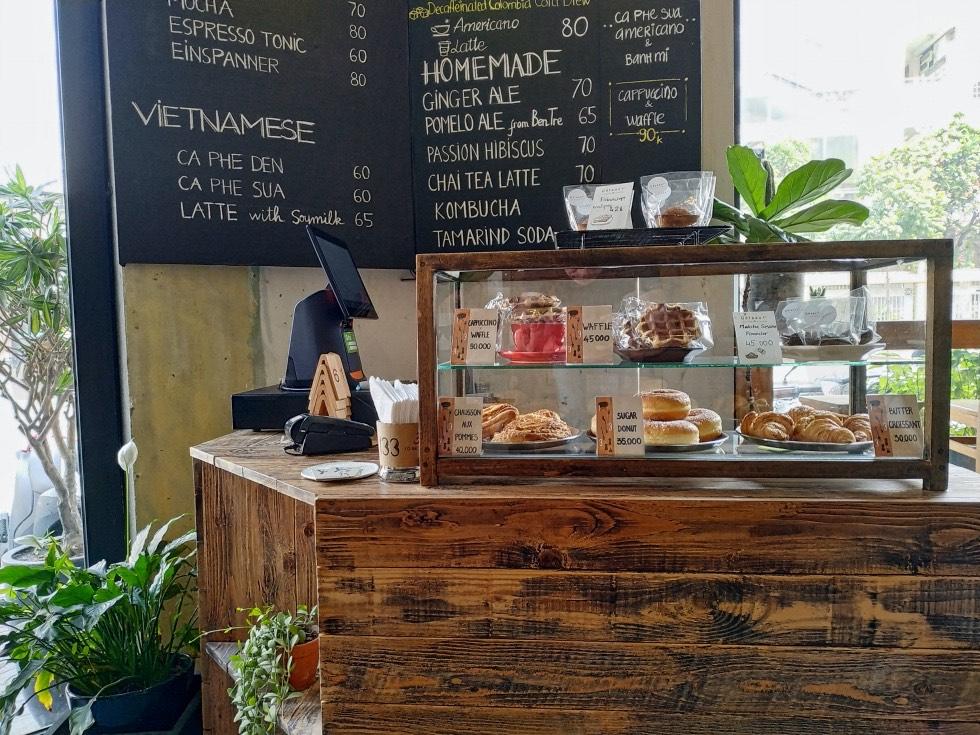 133 CO BAC Coffee Counter