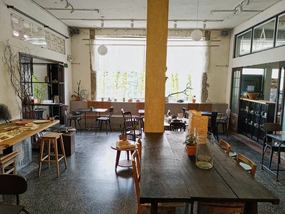 133 CO BAC Coffee Seating