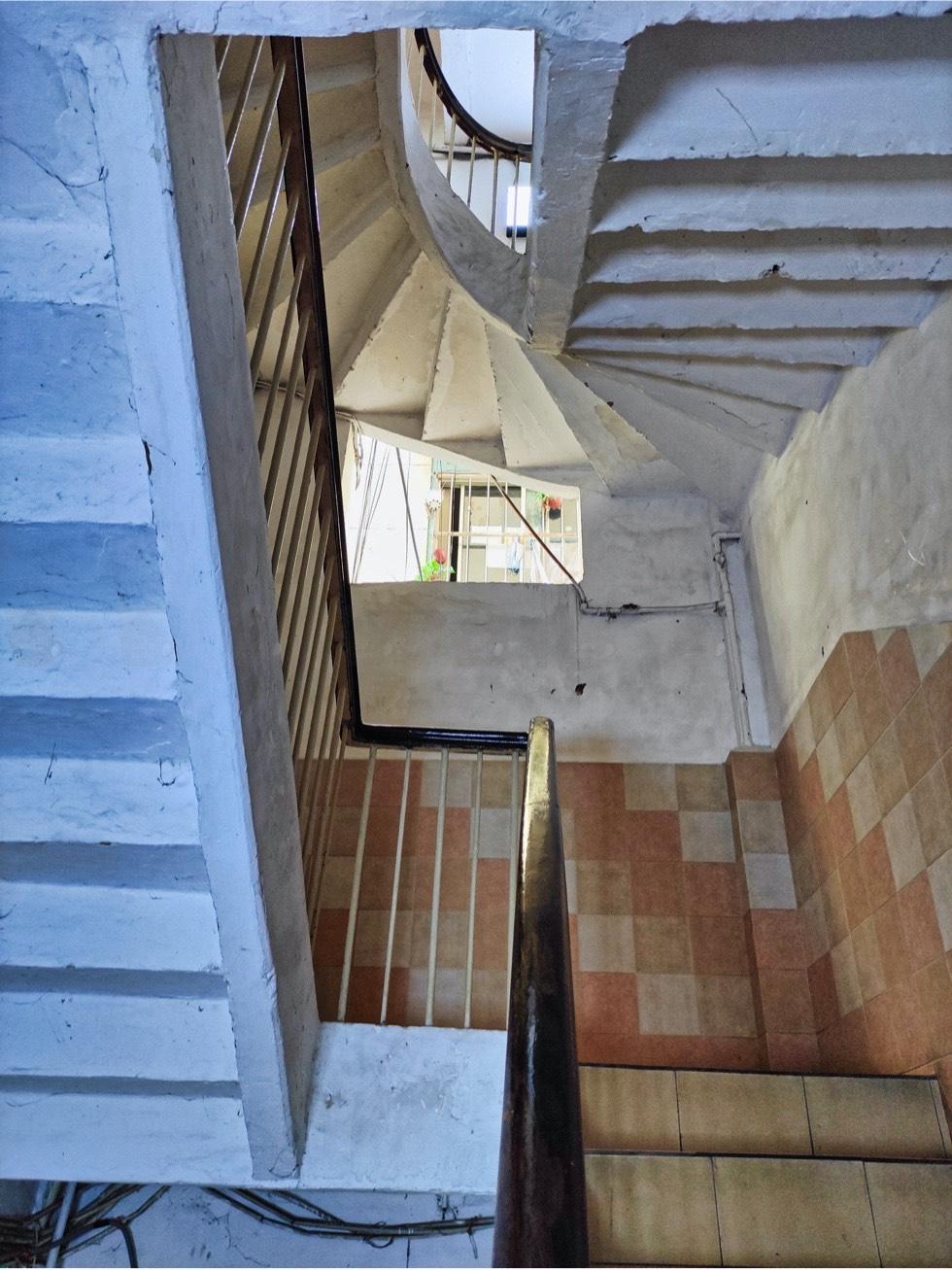 BAN Ca Phe Stairs