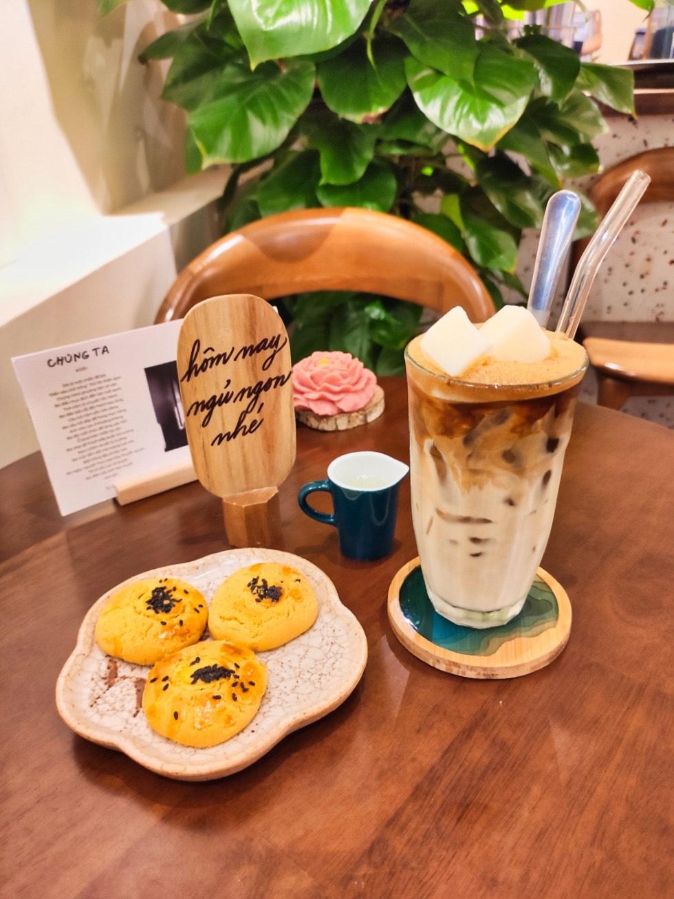 Hôm Nay Cafe Closeup