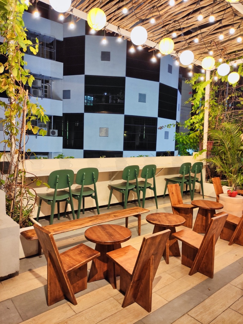 Hôm Nay Cafe Patio