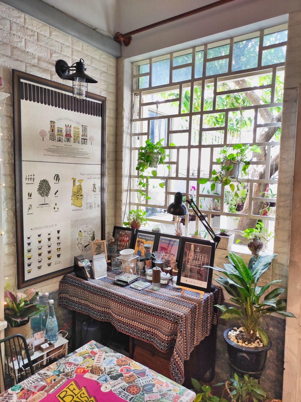 Hyper Coffee Roastery Corner