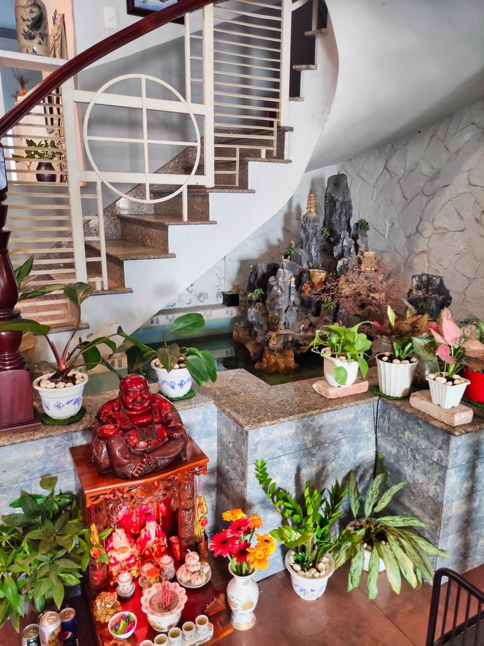 Hyper Coffee Roastery Staircase