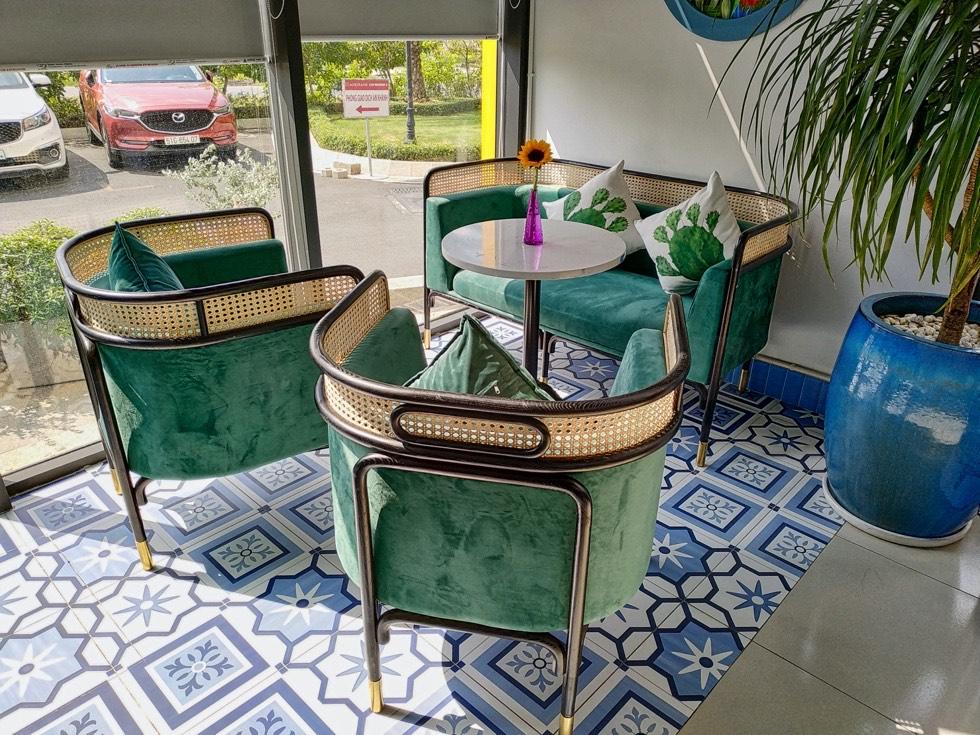 Rio Cafe Seating