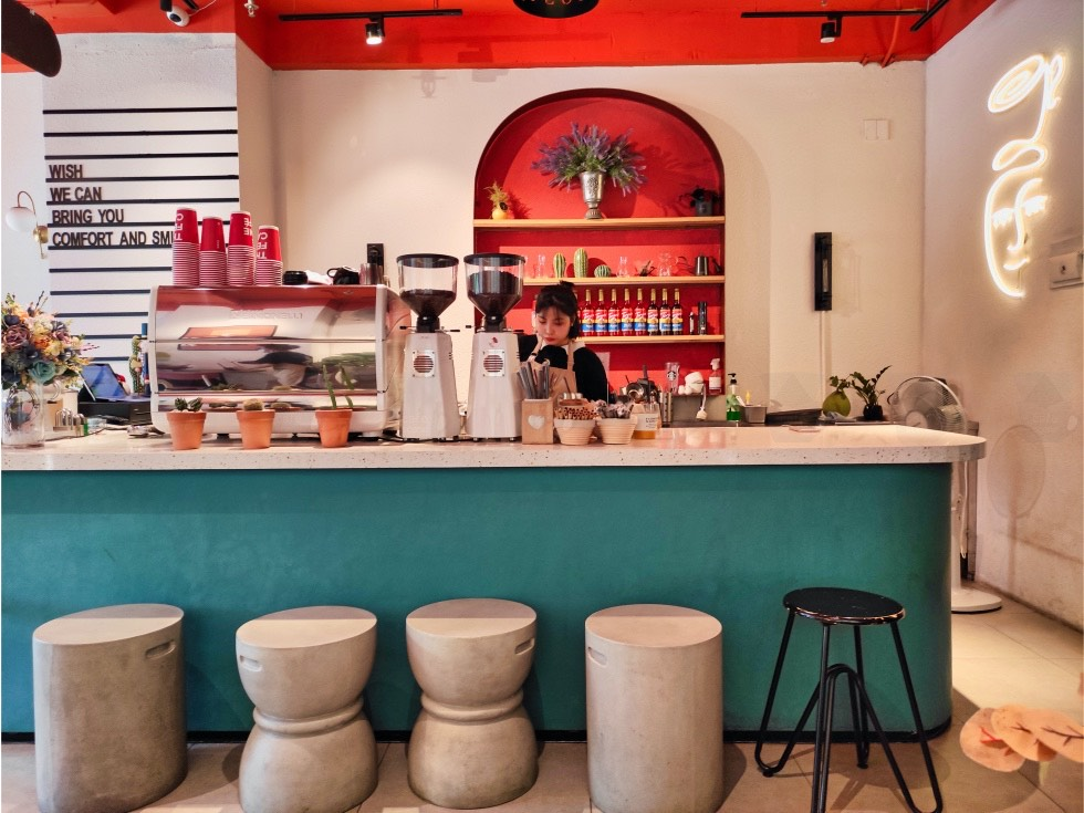 The Feine Cafe Counter