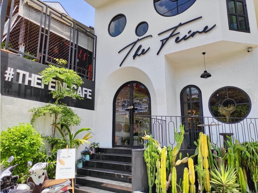 The Feine Cafe Exterior